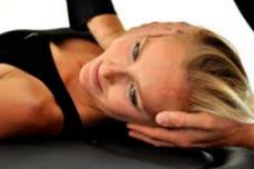 La cervicalgie est une des manifestations du mal de dos aussi appelé mal du siècle et nécessite souvent le recours à un ostéopathe