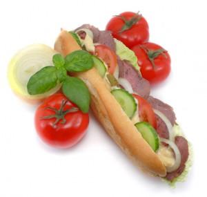 Un sandwich même composé avec de la salade est des légumes ne constitue pas la meilleure façon de manger au travail