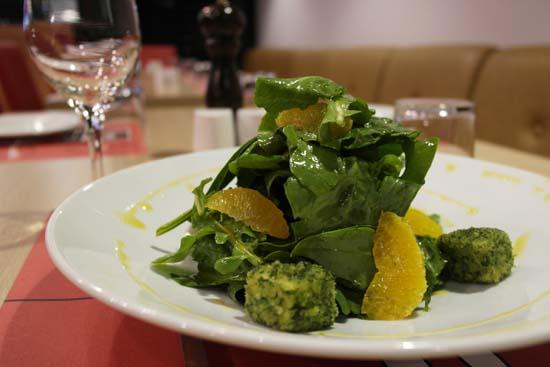 les salades composées permettent d'utiliser en même temps plusieurs aliments qui soignent