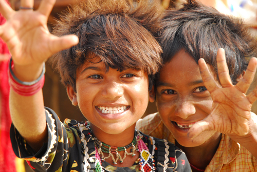 les enfants détiennent les recettes du bonheur, il suffit de les regarder et de tenter de les imiter