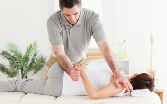 Les manipulations sont la base du traitement en ostéopathie.