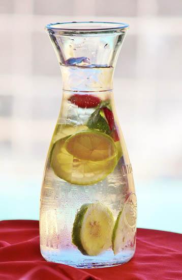 Prévenir les conséquences de la déshydratation avec de la citronnade.