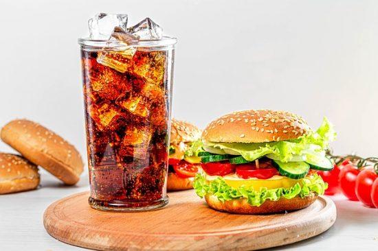Manger plus sainement qu'au fastfood est une nécessité.