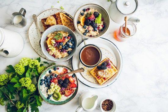 Le petit déjeuner est le meilleur repas pour manger plus sainement.